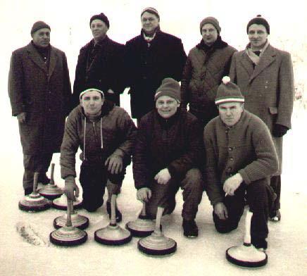 Im Bild die Gründungsmitglieder, stehend von links: Matthias Winkler, Xaver Grumm, Jakob Kehrle, Alois Vaas, Xaver Mayerle. Kniend von links: Ernst Mayer, Franz Hefele, Richard Mengele.